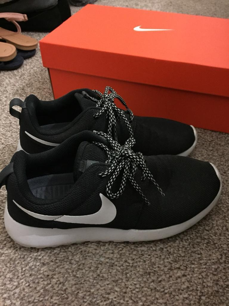 ba6a5113a48e Women s Nike Roshe One W Trainers Shoes Size 5