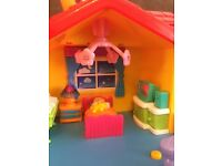Toy house with sound buttons