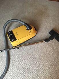 Vacuum cleaner - miele