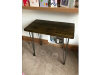 Wooden desk with hairpin legs