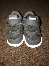 Boys shoes size 3 infant