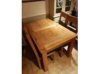 Dining Room Table with 4x Chairs -Oak