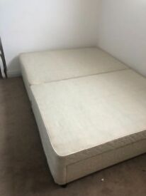 Double divan bed with memory foam mattress, 3 storage drawers and headboard.