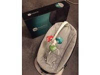 4 Moms bounceroo baby Bouncer chair