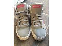 Adidas girls high tops Size 3