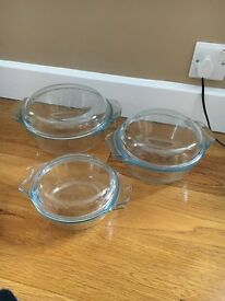 SET OF THREE GLASS CASSEROLE DISHES