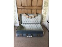 Charming rustic old trunk/suitcase for wedding/birthday/celebration cards