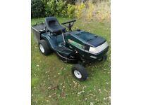 Ride on lawnmower / Mower