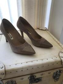 Tamaris suede leather court shoe