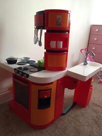 Kids master kitchen
