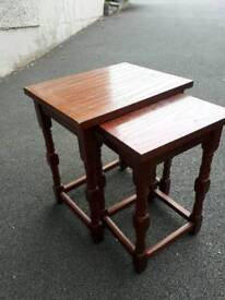 2 stacking side tables