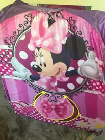 Minnie Mouse pop up tent