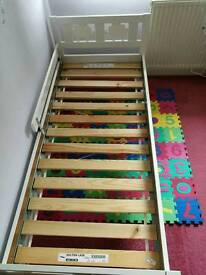 Toddler bed and rail £30