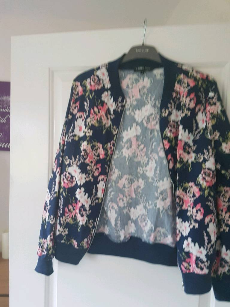 Jacketin Stoke on Trent, StaffordshireGumtree - Lovely jacket size 12, looks great with jeans lovely condition collection please