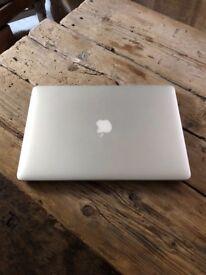MacBook Pro Retina 15-inch Mid 2014 2.2 GHz intel Core i7 Memory: 16GB 1600 MHz DDR3 256GB