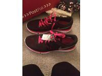 Womens Nike flex size 8
