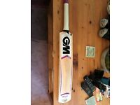 GM mogul cricket bat, 202 Kashmir willow, hardly used for one season, suitable for 9-10 year old