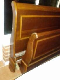 Solid wood kingsize sleigh bed