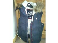 Superdry univesity vest