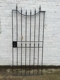 Heavy metal gate