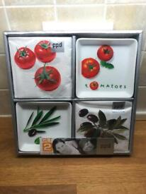 Olive & Tomato Serving set with Matching Napkins Brand New
