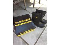 Workforce safety boots size 10