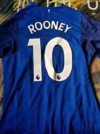 Everton top