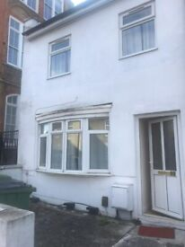 10 BED HOUSE FOR RENT (AVAILABLE FOR COMPANY LET)