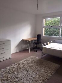 VERY NICE CONNECTED AREA - LOW COST BIG DOUBLE ROOM \ STRATFORD