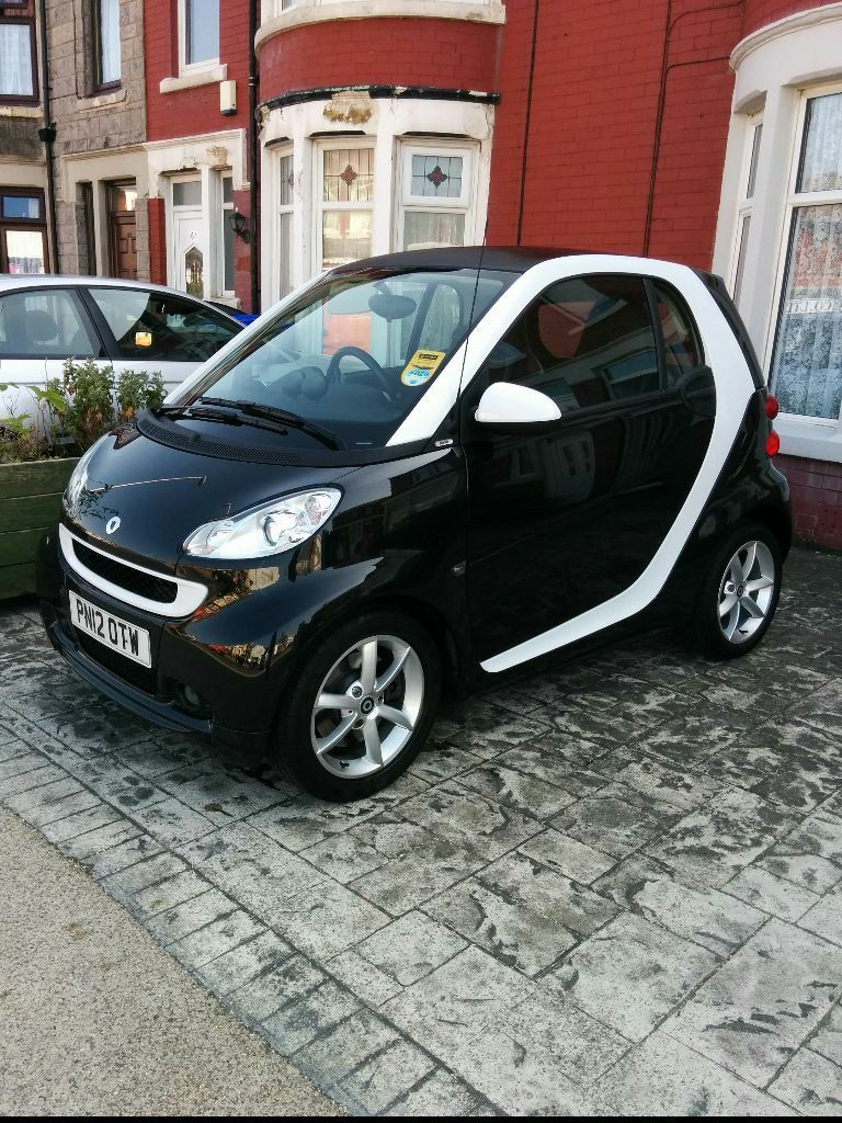 smart fortwo pulse cdi auto black white diesel one lady owner fsh low mileage and 0 road tax. Black Bedroom Furniture Sets. Home Design Ideas