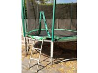 10ft trampoline, great condition, just needs a new bumper