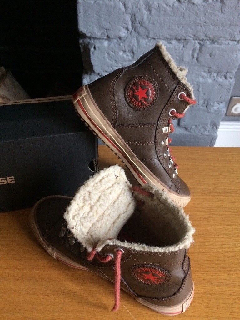 2f501715302a9f UK 2.5 Junior Leather Convers with Fur lining