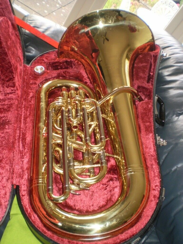 Yamaha Maestro 4 valve brass lacquered EEb tuba..