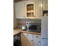 Fitted kitchen door and draw fronts and extractor fan. Reason for sale kitchen refit