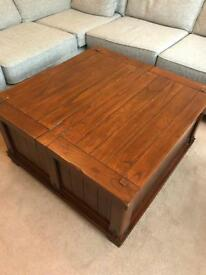 Beautiful real wood coffee table/blanket box/storage