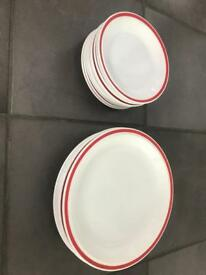5 Large and 10 Small plates. Microwave and dishwasher safe