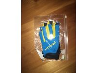 RUGBY GLOVES - NEW