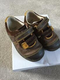 Toddler Clarks Shoes 6.5f euro 23