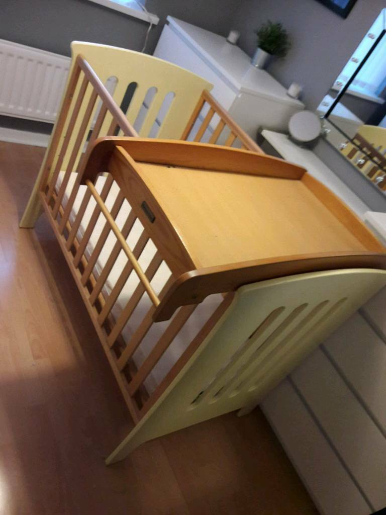 Mamas and papas carnival cot