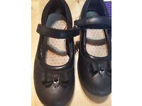Clarks Black shoes size 11