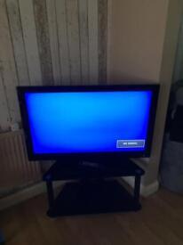"40"" technika lcd tv"