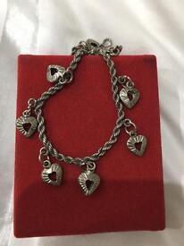 Vintage romantic silver hearts bracelet