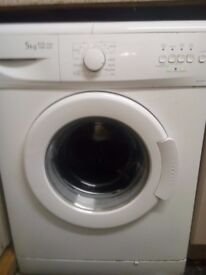 beko washing machine 18 months old small crack on top see piks excellent working condition