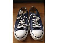 Converse Size 6 navy