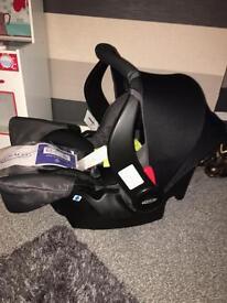 BRAND NEW GRACO CAR SEAT 0+