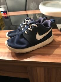 Nike Roshe Trainers - Navy toddler Boys - size 7.5