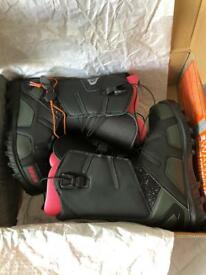Ladies Brand New ThirtyTwo Snowboard Boots Size 5