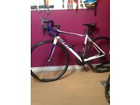 Giant defy 11 speed road bike a lot of new parts !!