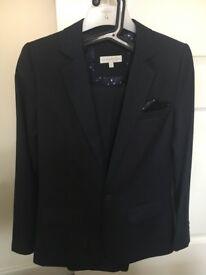Suit - size 14 boys