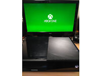 Xbox One 500gb with rechargeable Microsoft Controller